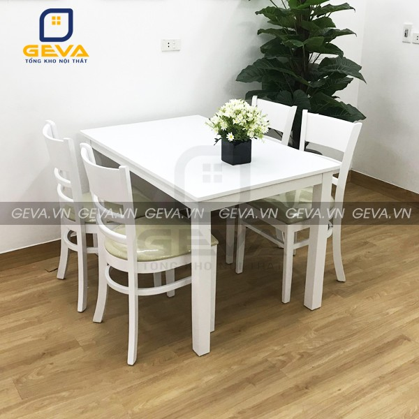 Bàn ăn Cabin 4 ghế màu trắng không kén chọn không gian