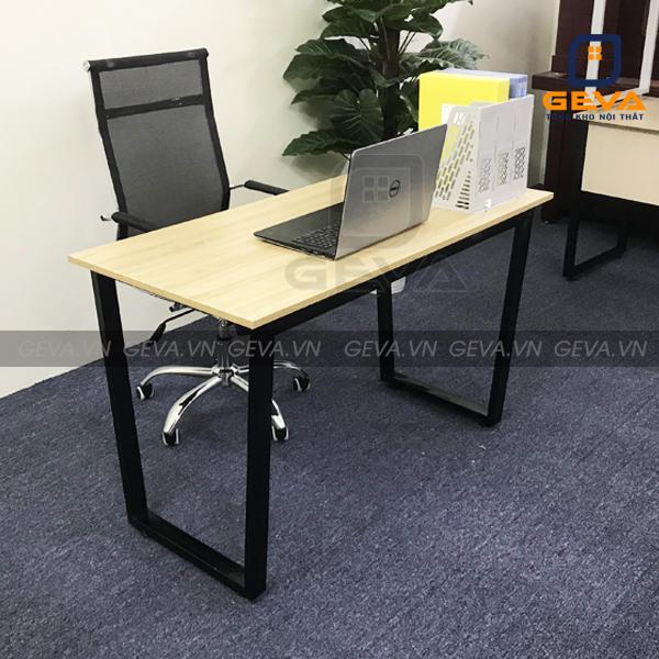 Bàn văn phòng thể hiện đẳng cấp trong không gian làm việc
