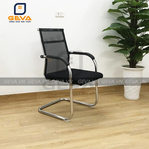 Ghế được bo viền bằng thép mạ Crome