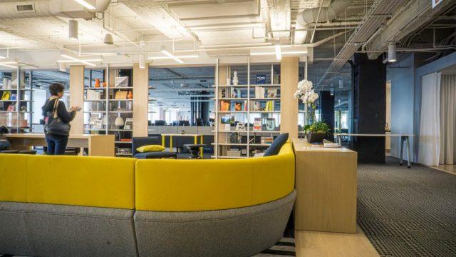 Tủ sắt đóng vai trò quan trọng trong mỗi văn phòng