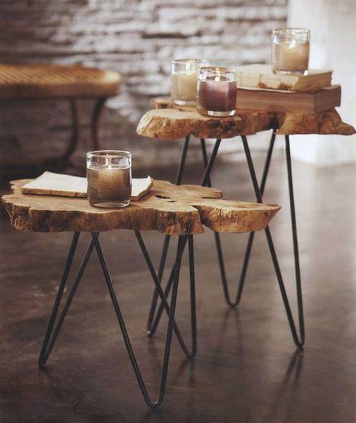 Một chiếc bàn nhỏ xinh làm bằng gỗ dành cho những ai yêu thích sự tối giản