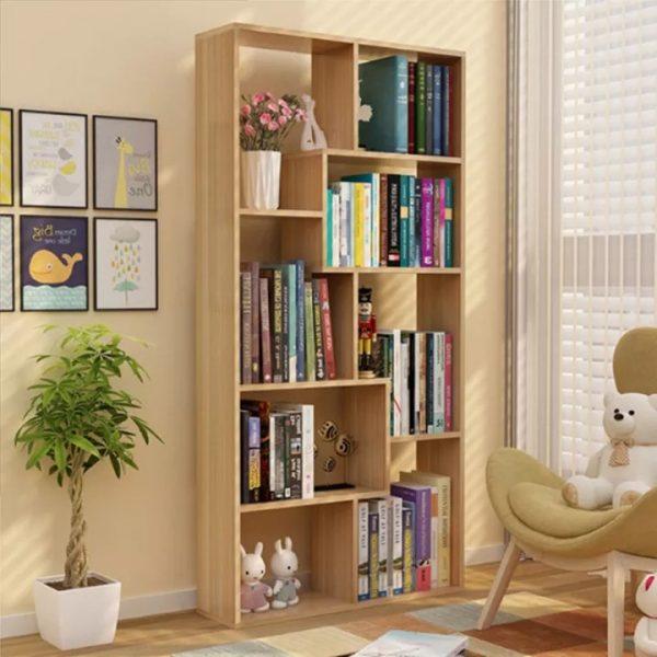 Kệ sách hình chữ nhật đứng có thiết kế theo phong cách truyền thống