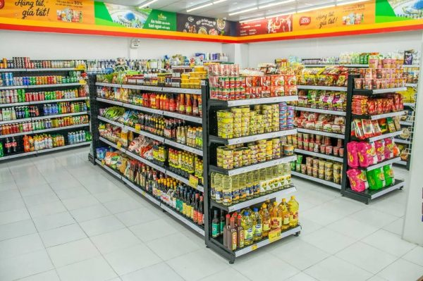 Kệ trưng bày để bày trí trưng bày sản phẩm nhằm tăng nhận diện thương hiệu, thúc đẩy doanh số.