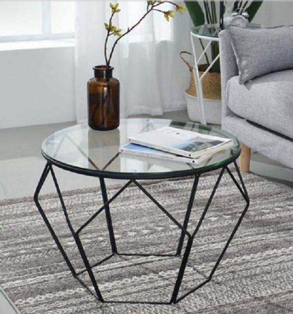 Bàn sofa mặt hình lục giác, chất liệu có thể là sắt, kính hoặc đá hoa cương tùy thích.