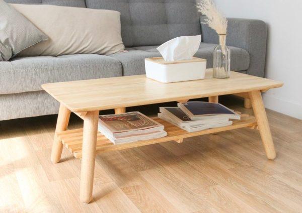 Bàn sofa kết hợp kệ rất tiện nghi và hiện đại.