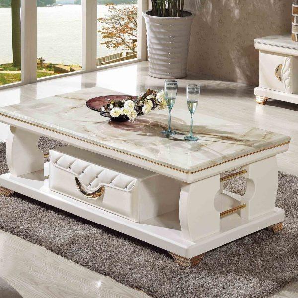 Lựa chọn bàn sofa có kích thước phù hợp với không gian và có sự đồng bộ về chất liệu màu sắc với những nội thất còn lại.