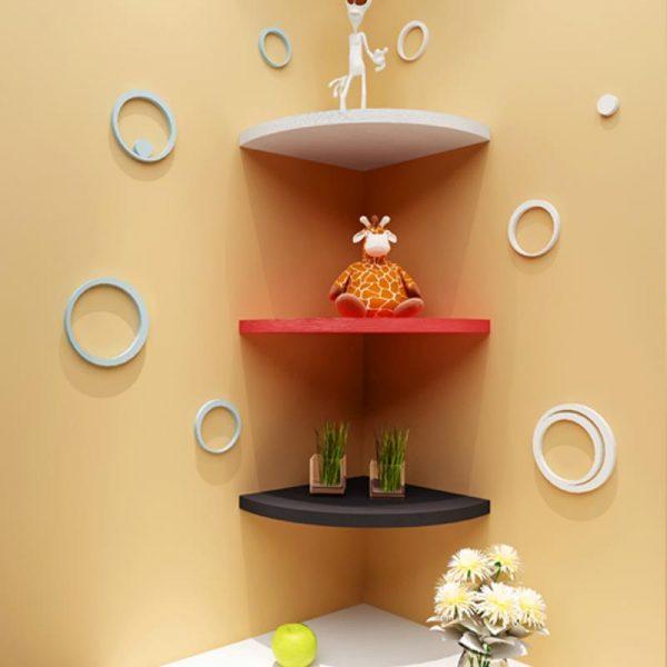 Không gian căn phòng của bạn sẽ trở nên tiện nghi và hiện đại hơn khi có chiếc kệ góc.